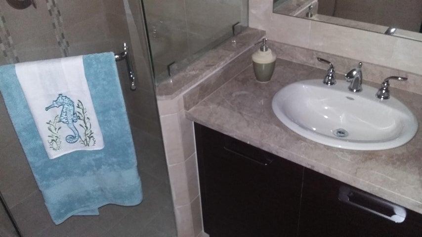 PANAMA VIP10, S.A. Apartamento en Venta en Albrook en Panama Código: 15-96 No.9