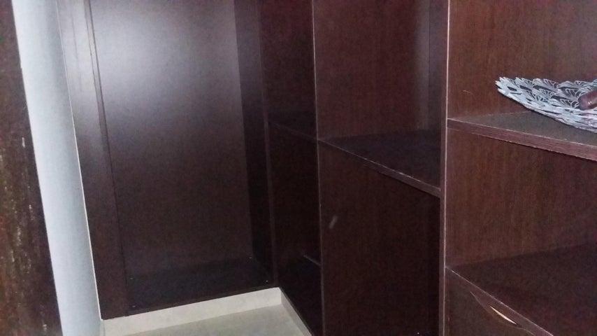 PANAMA VIP10, S.A. Apartamento en Venta en Albrook en Panama Código: 15-95 No.8