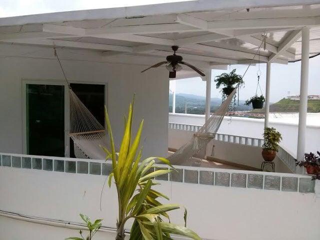 PANAMA VIP10, S.A. Casa en Venta en Brisas Del Golf en Panama Código: 16-2384 No.7