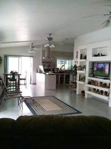 PANAMA VIP10, S.A. Casa en Venta en Brisas Del Golf en Panama Código: 16-2384 No.9