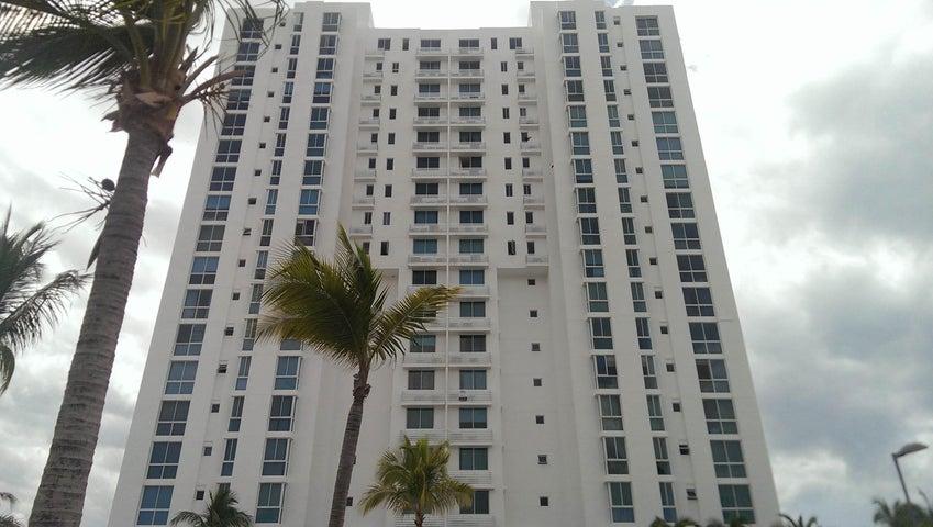 ODOARDO ENRIQUE MARTINEZ Apartamento En Venta En Playa Blanca Código: 16-2580