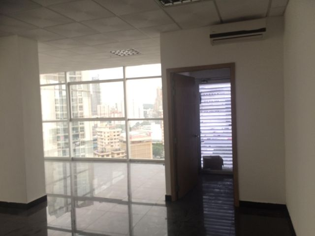 PANAMA VIP10, S.A. Oficina en Venta en Obarrio en Panama Código: 16-3320 No.5