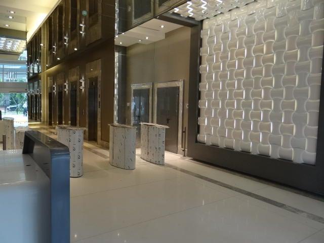 PANAMA VIP10, S.A. Oficina en Venta en Obarrio en Panama Código: 16-3389 No.5