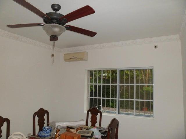 PANAMA VIP10, S.A. Casa en Venta en Altos de Panama en Panama Código: 16-3715 No.2