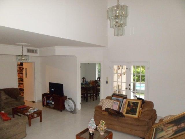 PANAMA VIP10, S.A. Casa en Venta en Altos de Panama en Panama Código: 16-3715 No.9