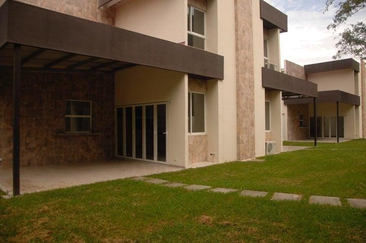 PANAMA VIP10, S.A. Apartamento en Venta en San Carlos en San Carlos Código: 16-3933 No.3