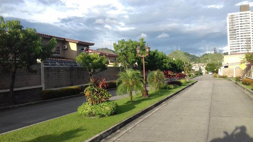 PANAMA VIP10, S.A. Casa en Venta en Altos de Panama en Panama Código: 16-4858 No.2