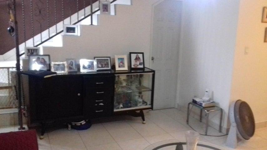 PANAMA VIP10, S.A. Casa en Venta en Altos de Panama en Panama Código: 16-4858 No.5