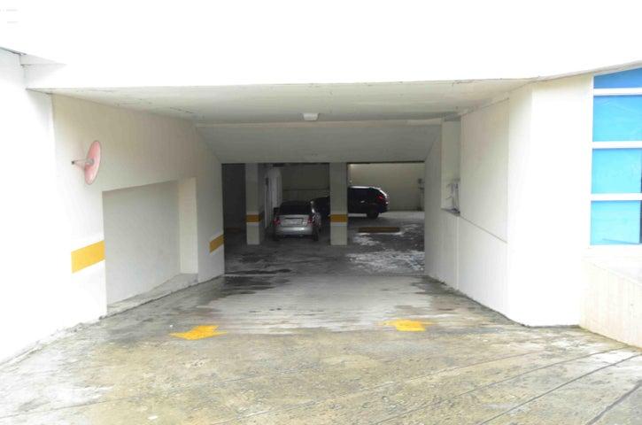 PANAMA VIP10, S.A. Apartamento en Venta en Coco del Mar en Panama Código: 16-5017 No.3