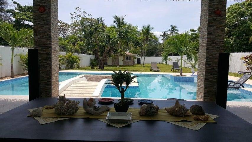 PANAMA VIP10, S.A. Casa en Venta en Coronado en Chame Código: 16-5098 No.1