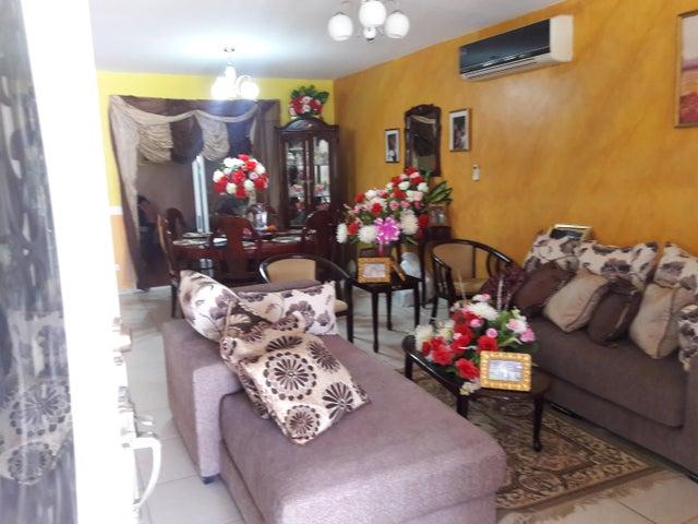 PANAMA VIP10, S.A. Casa en Venta en Arraijan en Panama Oeste Código: 17-49 No.5