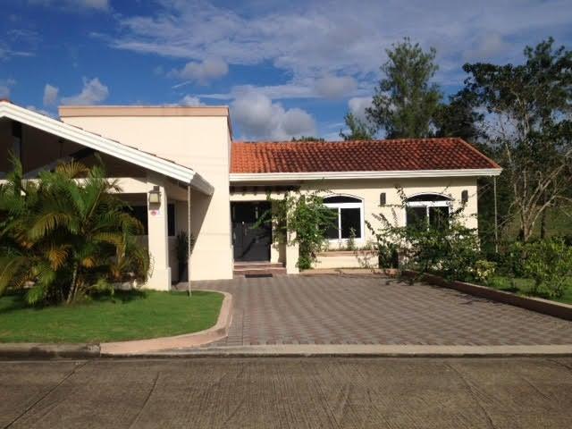 PANAMA VIP10, S.A. Casa en Venta en Brisas Del Golf en Panama Código: 17-80 No.3