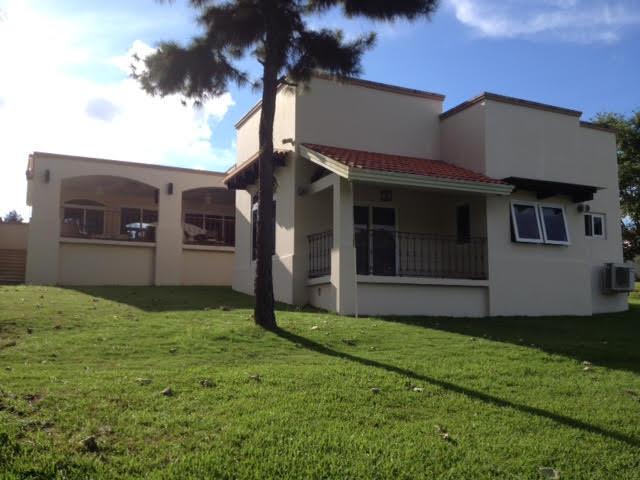 PANAMA VIP10, S.A. Casa en Venta en Brisas Del Golf en Panama Código: 17-80 No.4