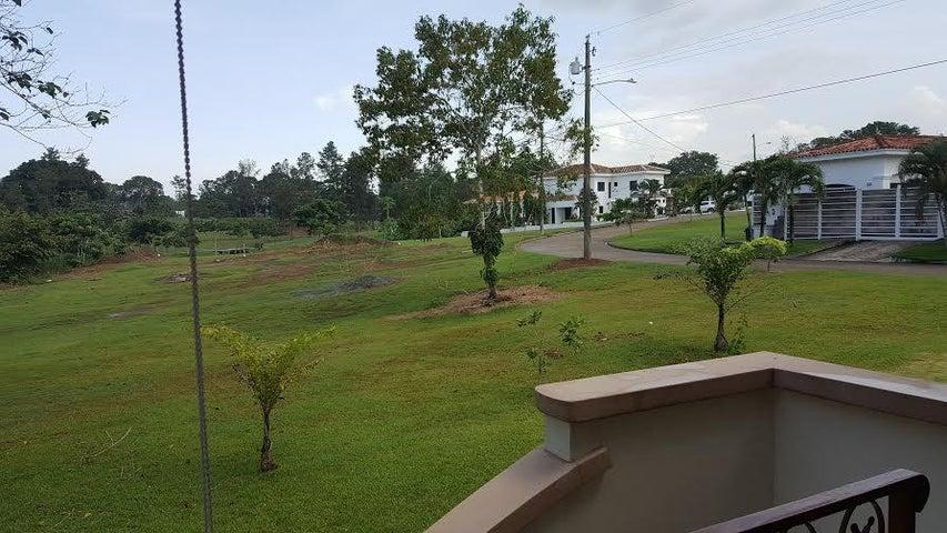 PANAMA VIP10, S.A. Casa en Venta en Brisas Del Golf en Panama Código: 17-80 No.9