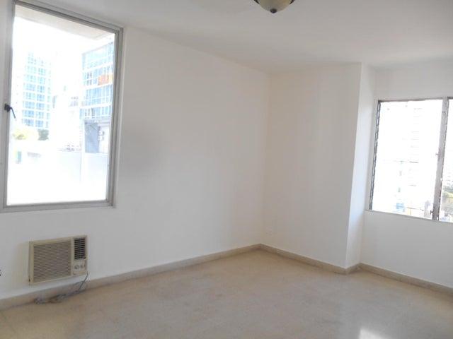 PANAMA VIP10, S.A. Apartamento en Alquiler en El Cangrejo en Panama Código: 17-95 No.6