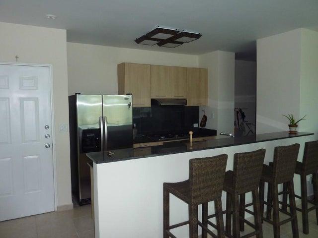 PANAMA VIP10, S.A. Apartamento en Venta en San Carlos en San Carlos Código: 17-183 No.4