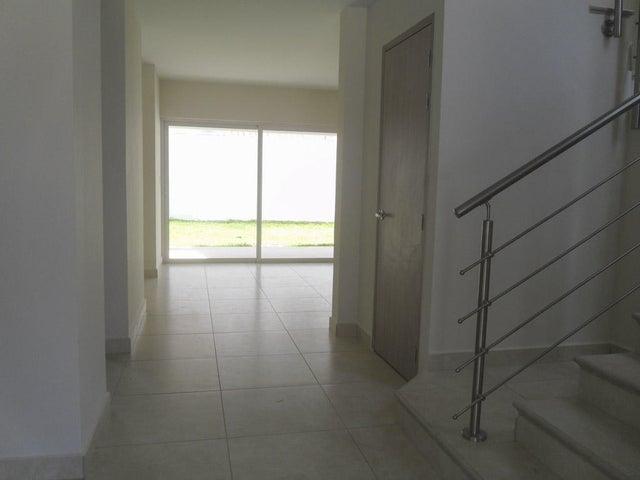 PANAMA VIP10, S.A. Casa en Venta en Versalles en Panama Código: 17-135 No.3