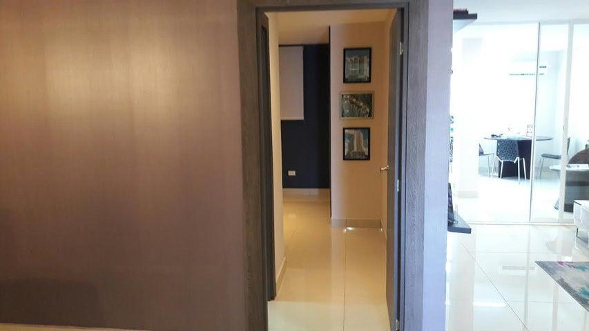 PANAMA VIP10, S.A. Apartamento en Venta en Carrasquilla en Panama Código: 15-1882 No.4