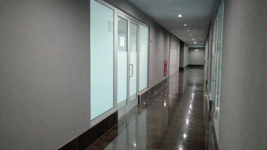 PANAMA VIP10, S.A. Oficina en Venta en Obarrio en Panama Código: 17-310 No.3