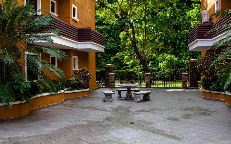 PANAMA VIP10, S.A. Apartamento en Venta en Clayton en Panama Código: 17-345 No.2