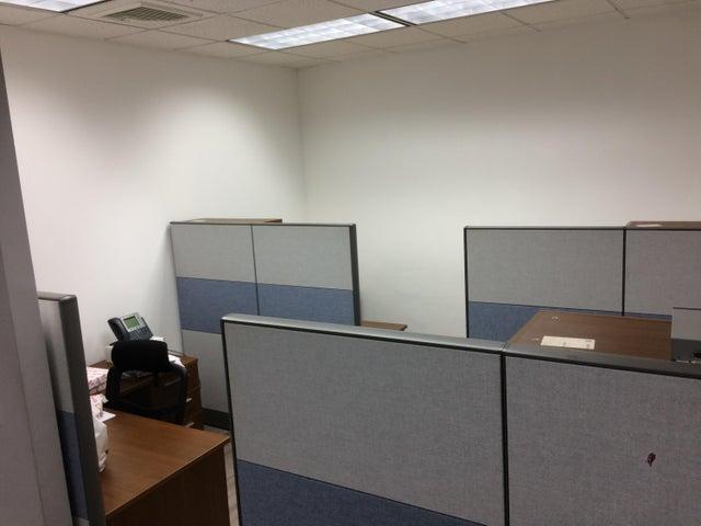 PANAMA VIP10, S.A. Oficina en Venta en Obarrio en Panama Código: 17-361 No.4