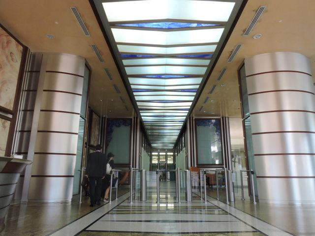 PANAMA VIP10, S.A. Oficina en Venta en Obarrio en Panama Código: 17-413 No.2