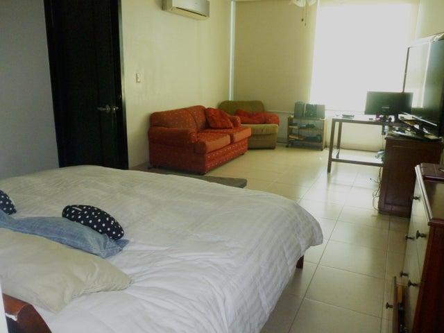 PANAMA VIP10, S.A. Apartamento en Venta en San Francisco en Panama Código: 17-426 No.8