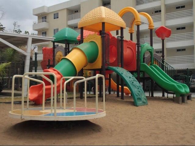 PANAMA VIP10, S.A. Apartamento en Venta en Altos de Panama en Panama Código: 17-518 No.3