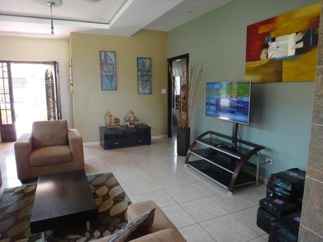PANAMA VIP10, S.A. Casa en Venta en Brisas Del Golf en Panama Código: 17-524 No.5