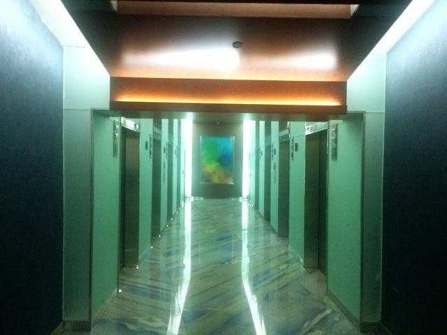 PANAMA VIP10, S.A. Oficina en Venta en Obarrio en Panama Código: 17-562 No.2