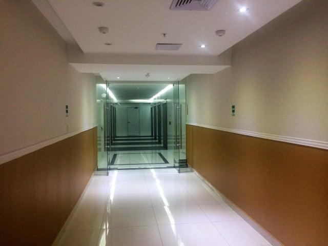 PANAMA VIP10, S.A. Oficina en Venta en Obarrio en Panama Código: 17-562 No.4