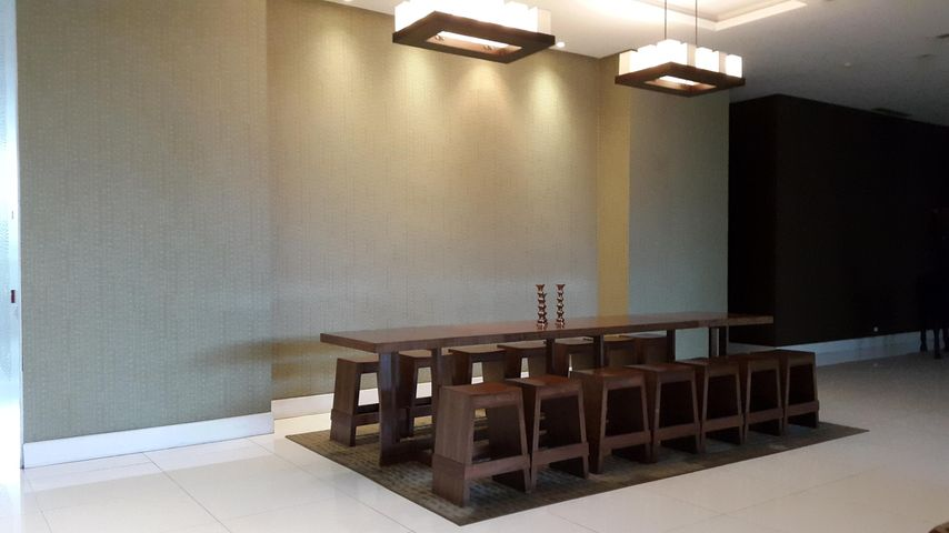PANAMA VIP10, S.A. Apartamento en Venta en Punta Pacifica en Panama Código: 17-579 No.3