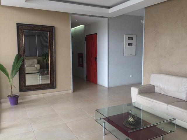 PANAMA VIP10, S.A. Apartamento en Venta en San Francisco en Panama Código: 17-672 No.3