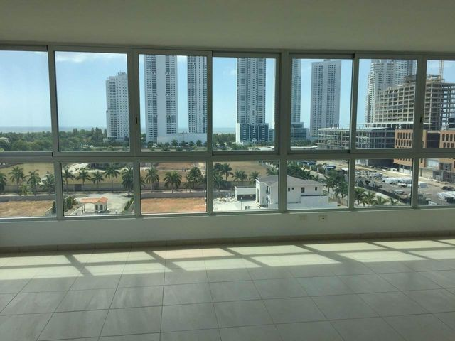 PANAMA VIP10, S.A. Apartamento en Venta en Costa del Este en Panama Código: 17-616 No.4