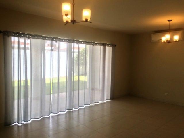 PANAMA VIP10, S.A. Casa en Venta en Versalles en Panama Código: 17-771 No.9