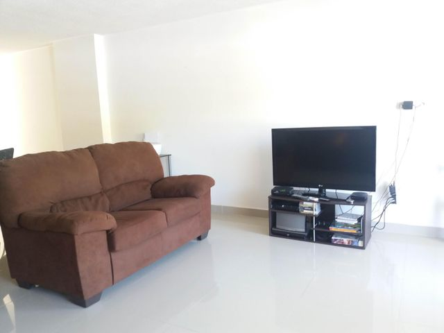 PANAMA VIP10, S.A. Apartamento en Venta en Altos de Panama en Panama Código: 17-798 No.6