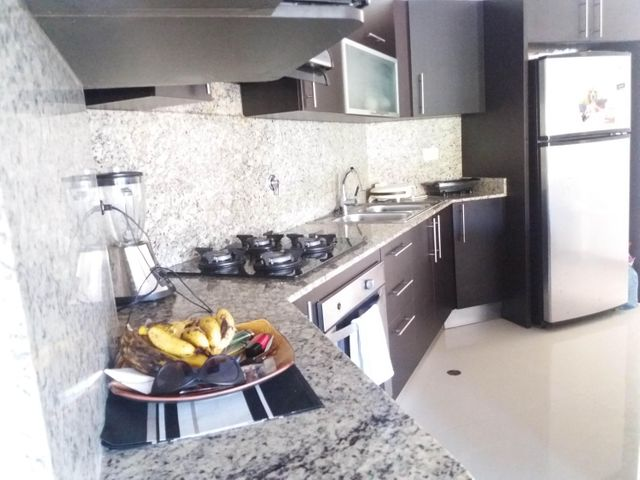 PANAMA VIP10, S.A. Apartamento en Venta en Altos de Panama en Panama Código: 17-798 No.5