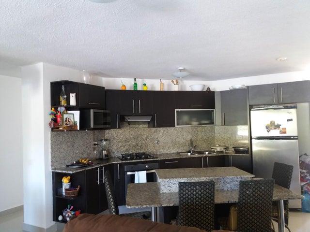 PANAMA VIP10, S.A. Apartamento en Venta en Altos de Panama en Panama Código: 17-798 No.2