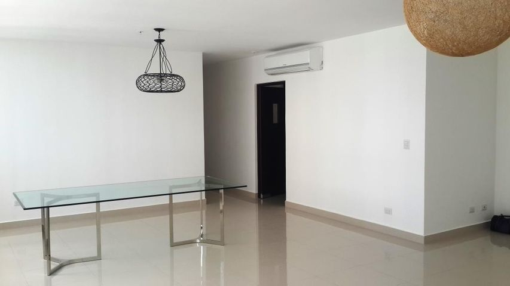 PANAMA VIP10, S.A. Apartamento en Venta en Costa del Este en Panama Código: 17-813 No.5