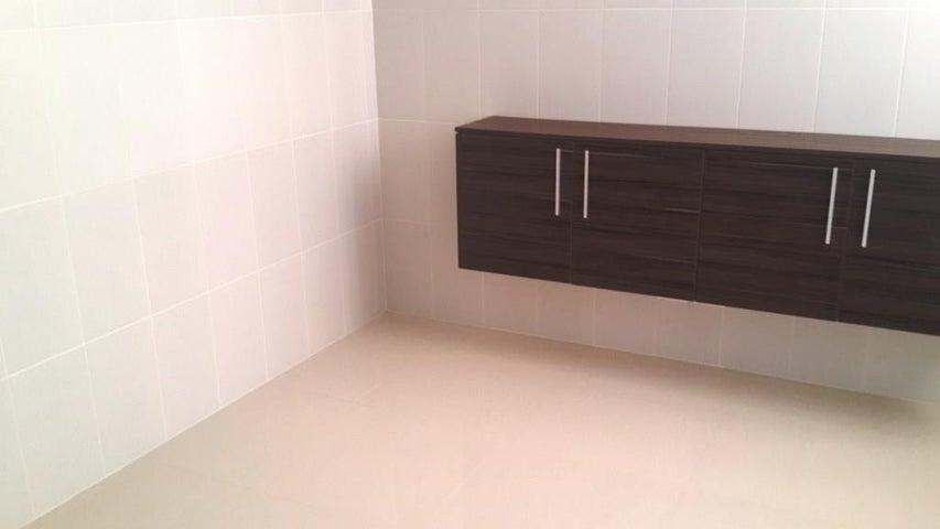 PANAMA VIP10, S.A. Apartamento en Venta en Costa del Este en Panama Código: 17-813 No.7