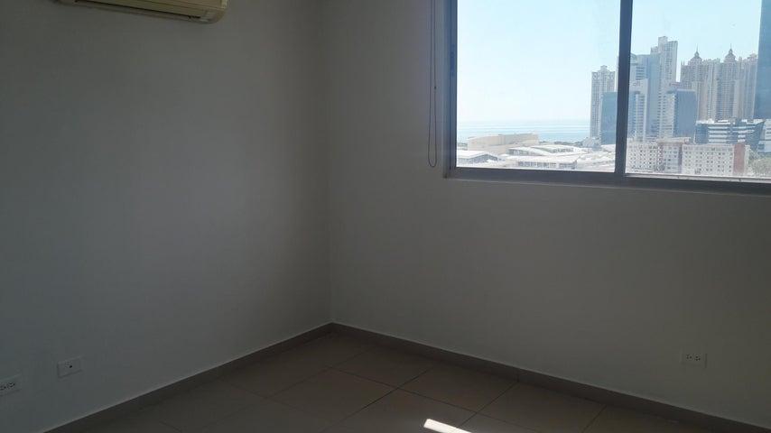 PANAMA VIP10, S.A. Apartamento en Venta en Obarrio en Panama Código: 17-819 No.8
