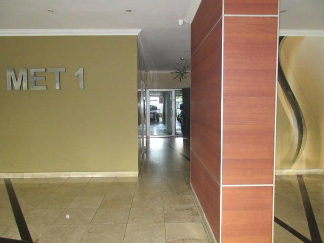 PANAMA VIP10, S.A. Apartamento en Venta en San Francisco en Panama Código: 17-838 No.2