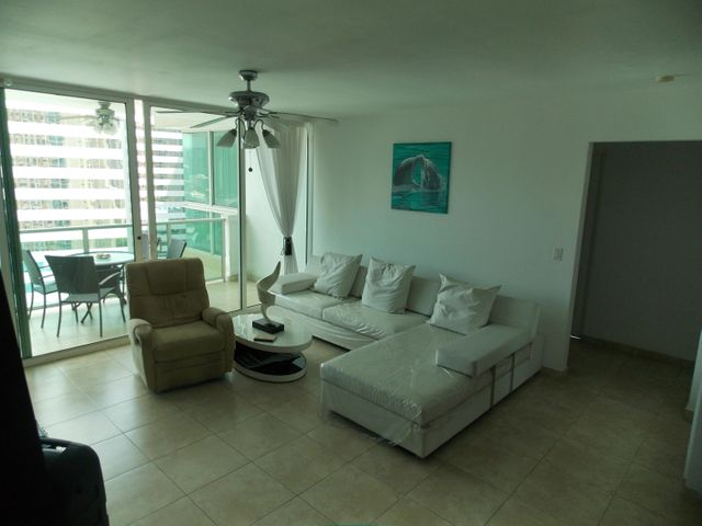 PANAMA VIP10, S.A. Apartamento en Venta en Punta Pacifica en Panama Código: 17-871 No.5