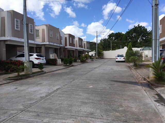 PANAMA VIP10, S.A. Casa en Venta en Brisas Del Golf en Panama Código: 17-881 No.2
