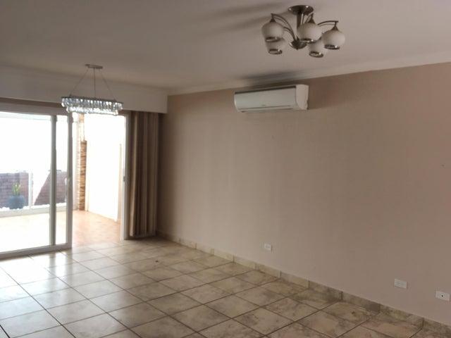 PANAMA VIP10, S.A. Casa en Venta en Brisas Del Golf en Panama Código: 17-881 No.4