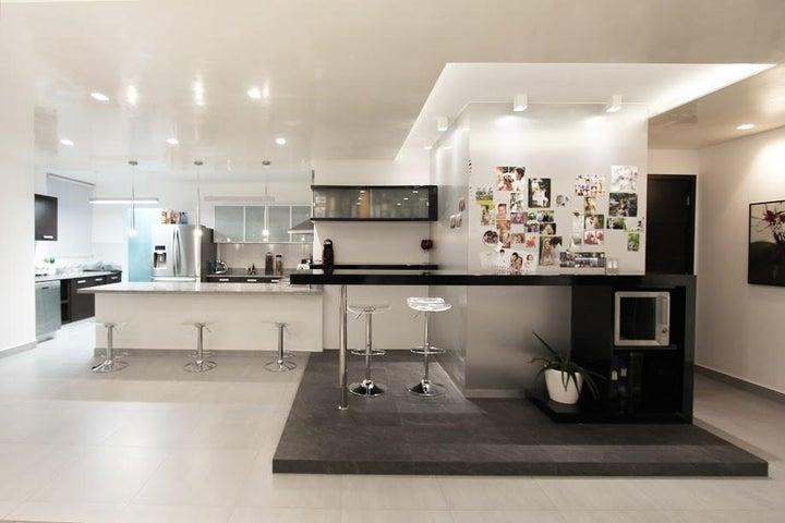 PANAMA VIP10, S.A. Apartamento en Venta en San Francisco en Panama Código: 17-913 No.2