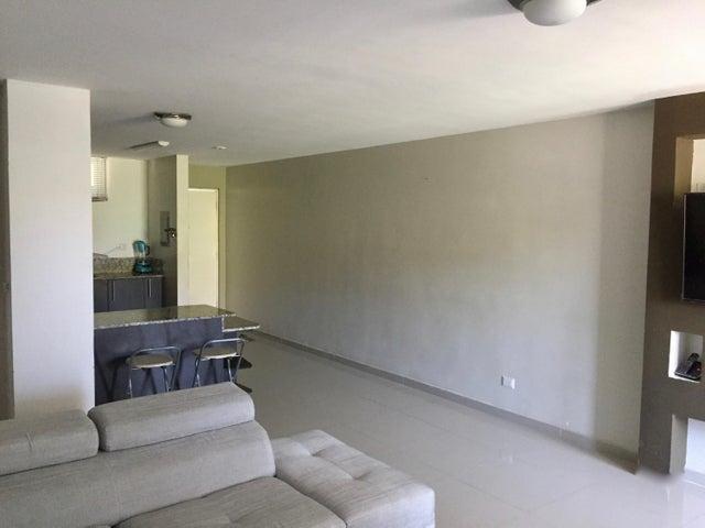 PANAMA VIP10, S.A. Apartamento en Venta en Altos de Panama en Panama Código: 17-943 No.7
