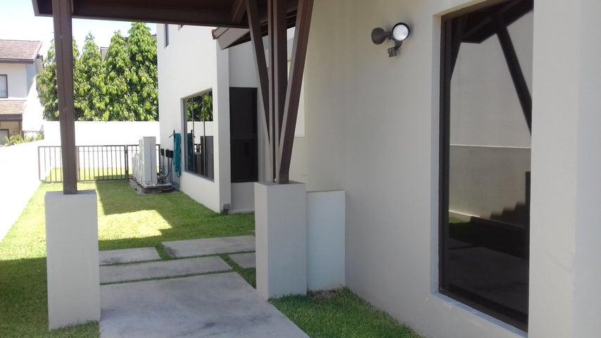 PANAMA VIP10, S.A. Casa en Venta en Panama Pacifico en Panama Código: 17-944 No.2
