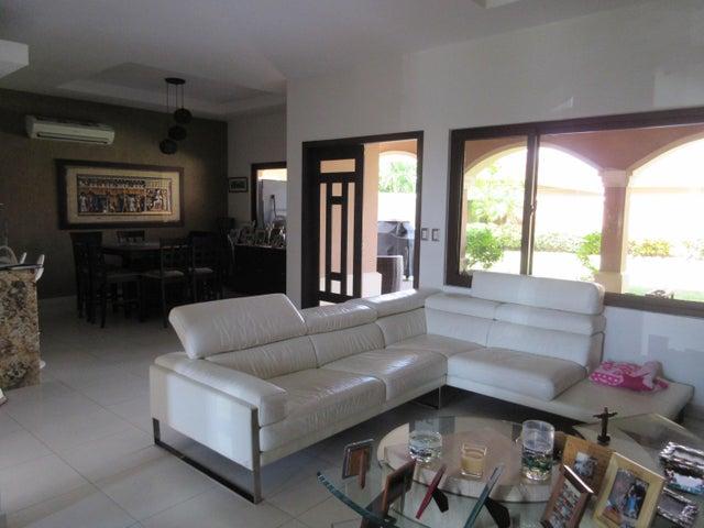 PANAMA VIP10, S.A. Casa en Venta en Costa Sur en Panama Código: 17-965 No.5