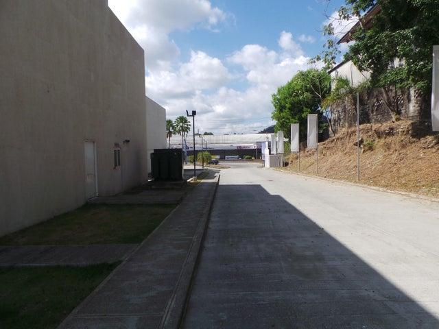 PANAMA VIP10, S.A. Local comercial en Venta en Milla 8 en Panama Código: 17-966 No.3
